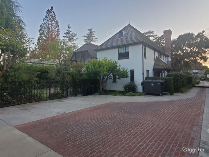Gorgeous English Tudor House in Pasadena  Photo 5