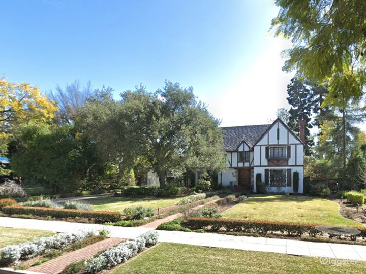Gorgeous English Tudor House in Pasadena  Photo 2