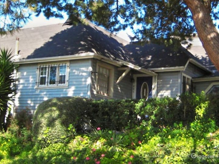 Charming House in LA Photo 3