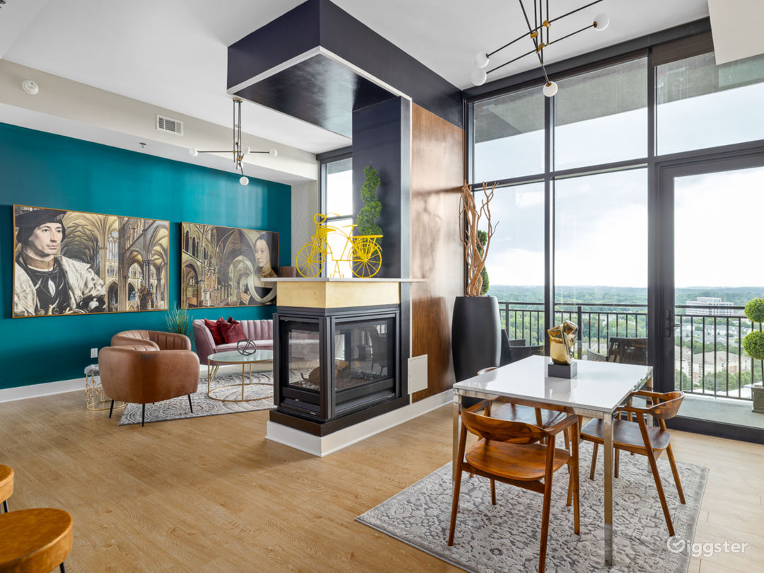 Alluringly Extravagant Buckhead Penthouse Photo 1