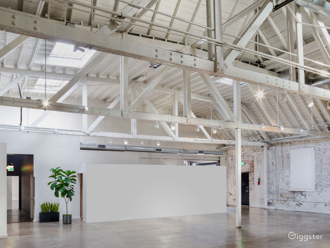 Honeypot Studio - HNYPT studio space for film shoots, photo shoots, private events in Downtown Los Angeles
