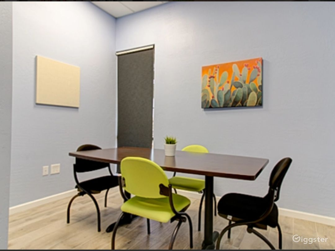 Modern Ray Room for 4  In Gilbert Photo 1