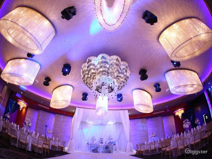 Luxurious and Spacious Banquet Hall in Glendale Photo 2