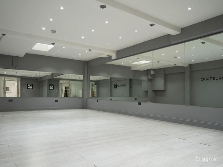 Bright and Spacious Dance Studio in Fulham Photo 4