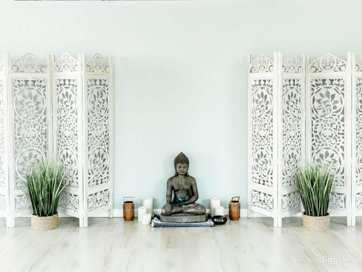 Mindfully Designed Serene Studio Photo 4