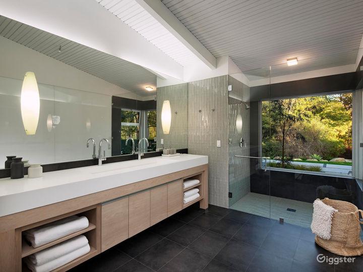 Montecito Modern Bungalow Photo 2