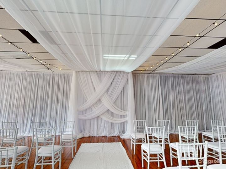 Polished Ceremony Room with Windows in Clearwater Photo 3