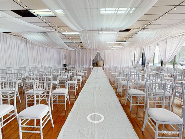 Polished Ceremony Room with Windows in Clearwater Photo 5