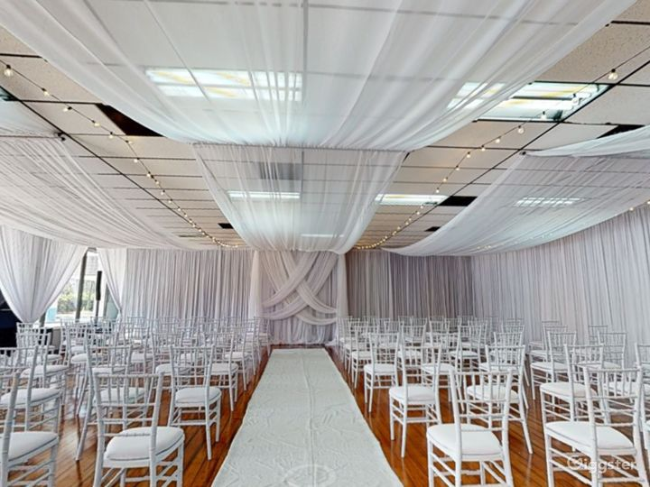 Polished Ceremony Room with Windows in Clearwater Photo 2