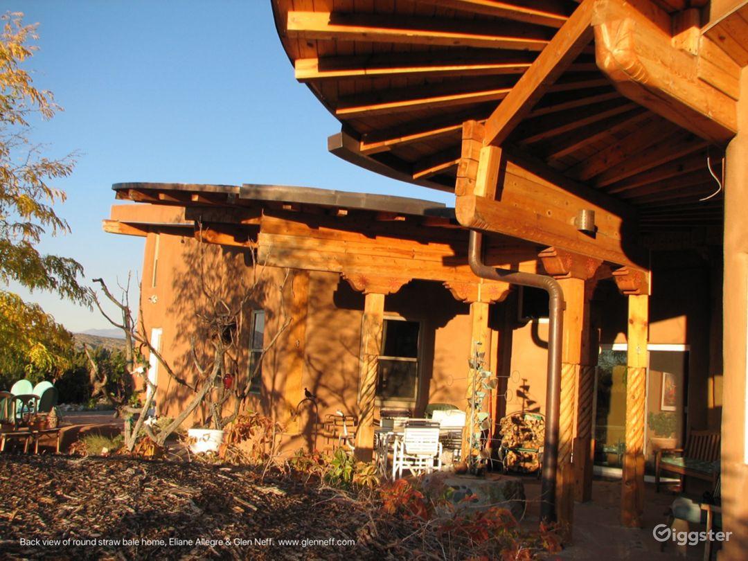 Modern round straw-bale home-stunning location  Photo 5