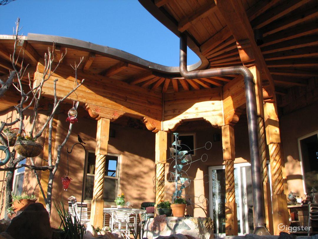 Modern round straw-bale home-stunning location  Photo 4