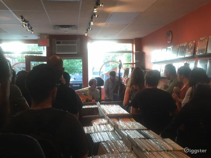 New Vinyl Record Store in Grosse Pointe Park - Indoor Space Photo 2