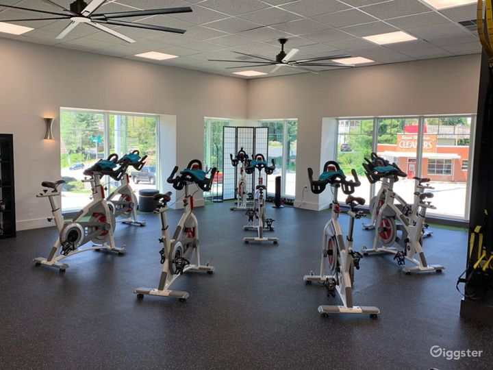 Completely Renovated Studio with Open Floor Plan for Workouts in Signal Mountain (Buyout) Photo 2